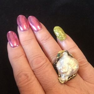 💥RARE NATURAL BAROQUE PEARL 💥& Emerald RING
